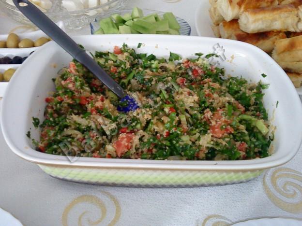Bulgurlu Maydanoz Salatası