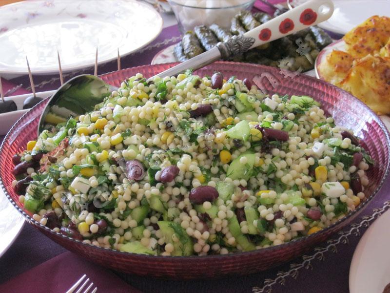 Meksika Fasulyeli Kuskus Salatası