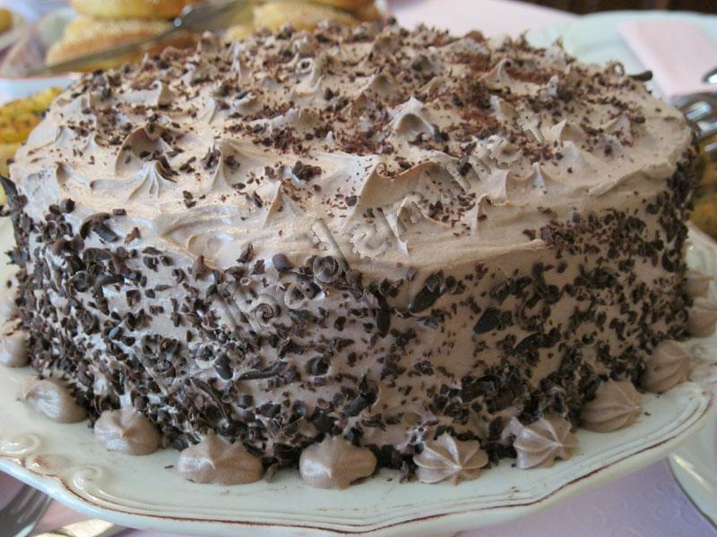 Çikolatalı Vişneli Pasta