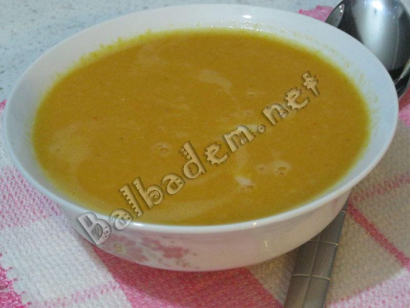Kremalı Domatesli Mercimek Çorbası