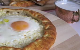 Yumurtalı Peynirli Pide